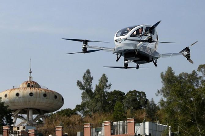 Çin'de drone ile yolcu taşındı