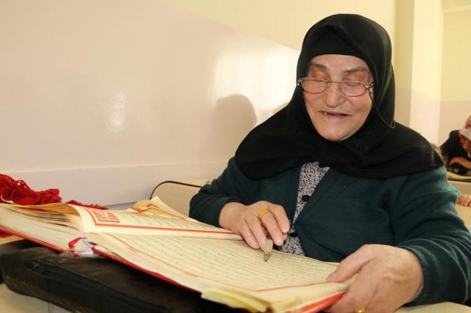 Kur'an okuma hayaline 78 yaşında erişti