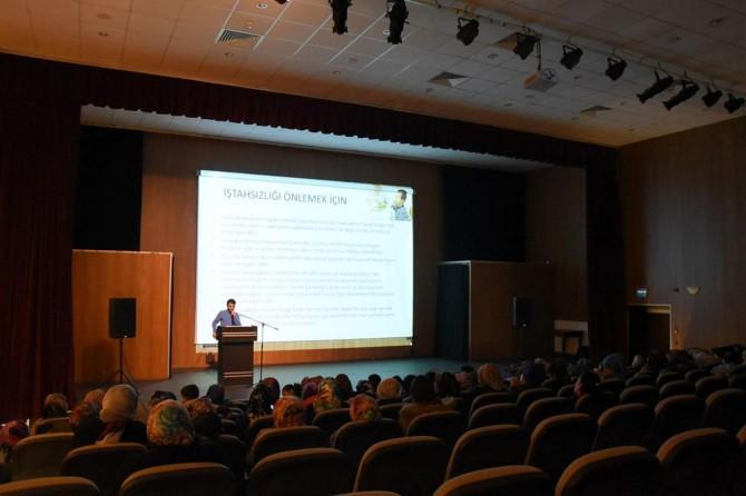 İpekyolu Belediyesinin seminerleri sürüyor