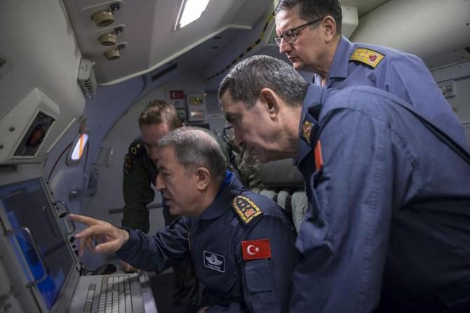 Orgeneral Akar, Afrin operasyonunu havadan denetledi