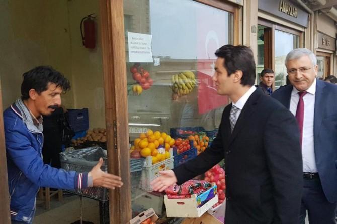 Başkanvekili Öztürk'ten esnaf ziyareti