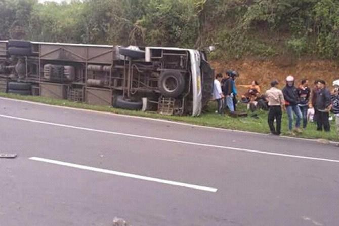 Li Endonezyayê qeza otobusê: 27 mirî