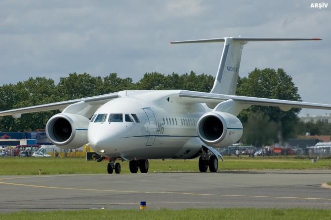 Rus yolcu uçağı Moskova'da düştü