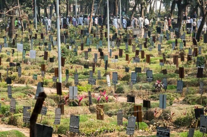 Dakka'da ölüleri gömecek yer kalmadı