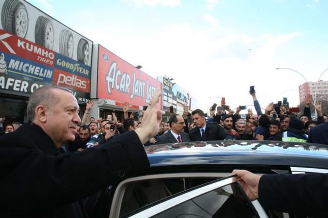 Cumhurbaşkanı Erdoğan'dan esnafı ziyareti