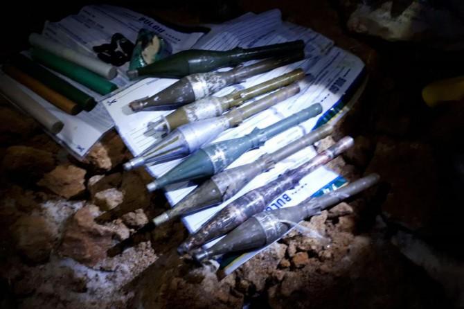Van'da 8 roket başlığı ele geçirildi