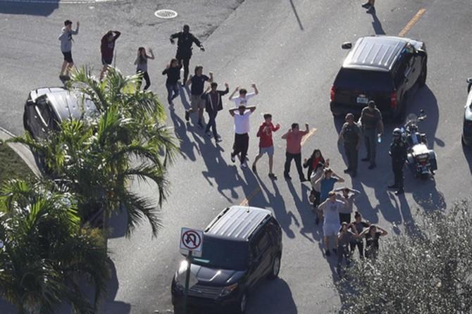 ABD'de silahlı saldırı: 17 ölü