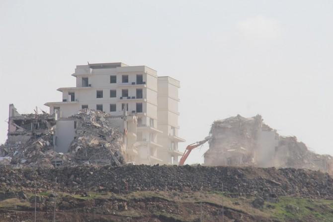 Kırklar Dağı'ndaki konutların yıkımı sürüyor
