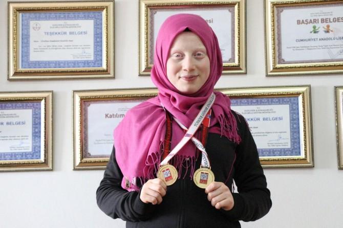 Albino hastası öğrenci judoda Türkiye şampiyonu oldu