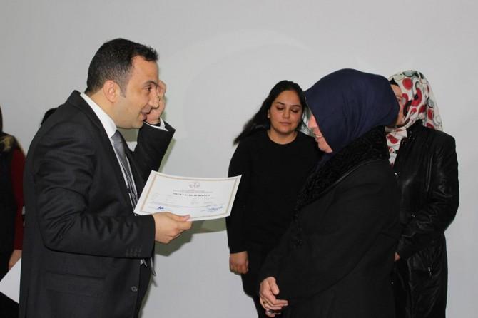 Nusaybin'de 5 ayrı dalda sertifika verildi
