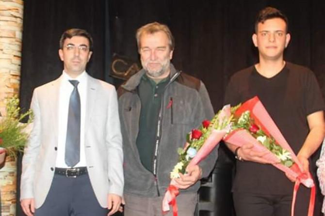 Uyuşturucunun zararları tiyatro gösterisi ile anlatıldı