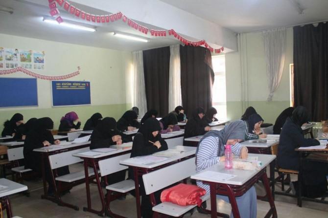 İstanbul'da Siyer Sınavı'na yoğun ilgi
