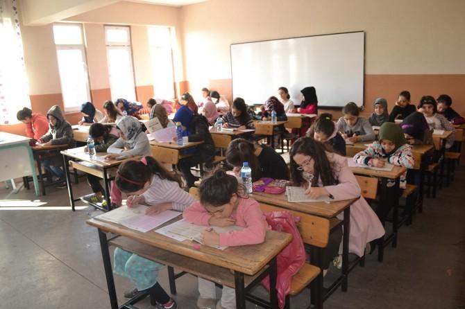 Bursa'da Siyer Sınavı'na yoğun ilgi
