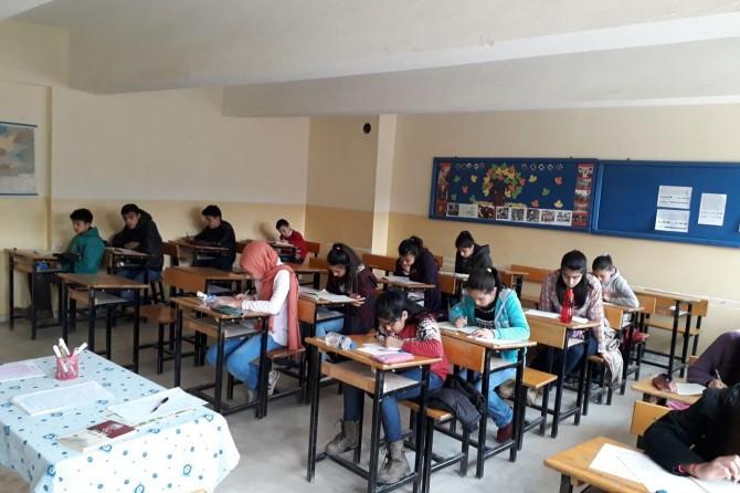 Kayseri'de 24 merkezde Siyer Sınavı yapıldı