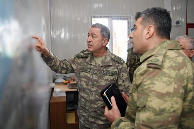 Genelkurmay Başkanı Akar Hatay ve Kilis'te incelemelerde bulundu
