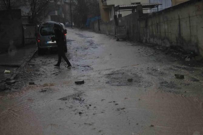 Muş'ta sağanak yağış hayatı olumsuz etkiledi