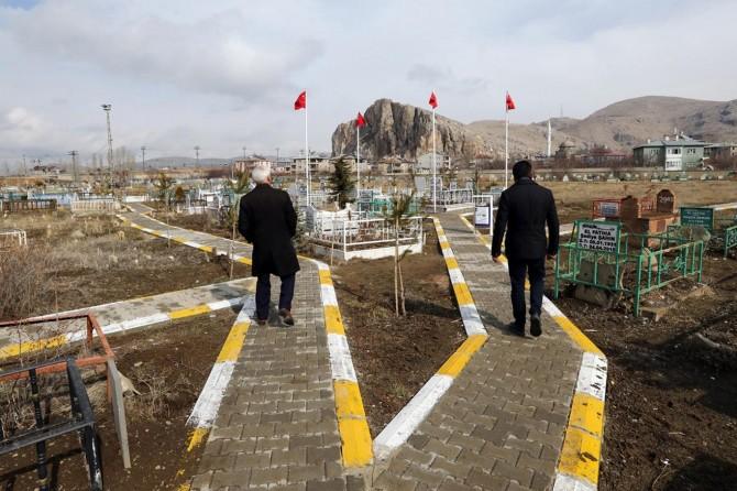 Van'da mezarlıklar yeniden düzenlendi