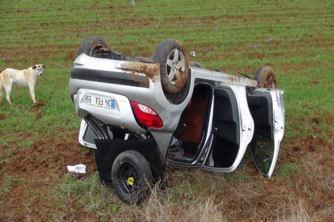 Çınar'da kontrolden çıkan otomobil takla attı: 2 yaralı VİDEO-FOTO
