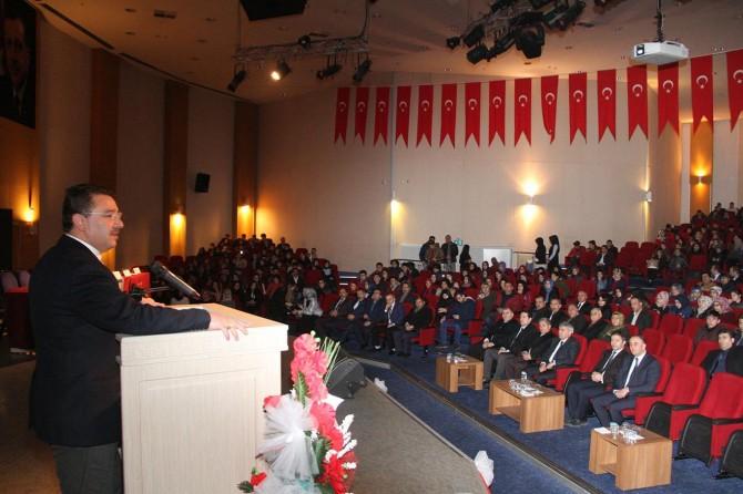 """Erzurum'da """"mülteci"""" paneli düzenlendi"""