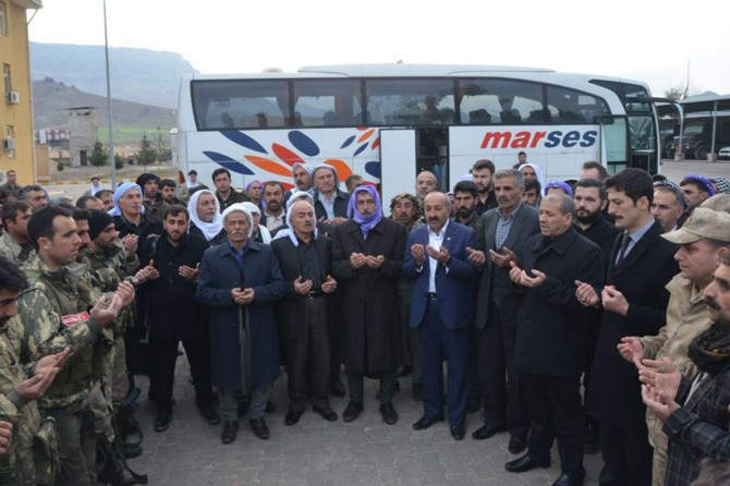 Korucular Afrin'e doğru yola çıktı