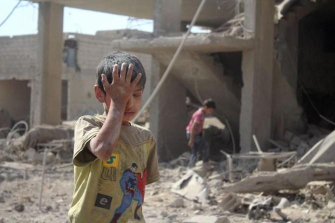 """""""Doğu Guta'da 400 bin sivil yeryüzünde cehennemi yaşıyor"""""""