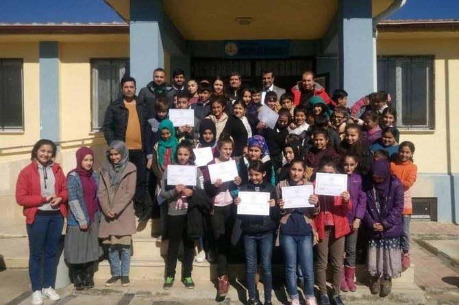 Öğrenciler harçlıklarını Arakan için biriktirdiler