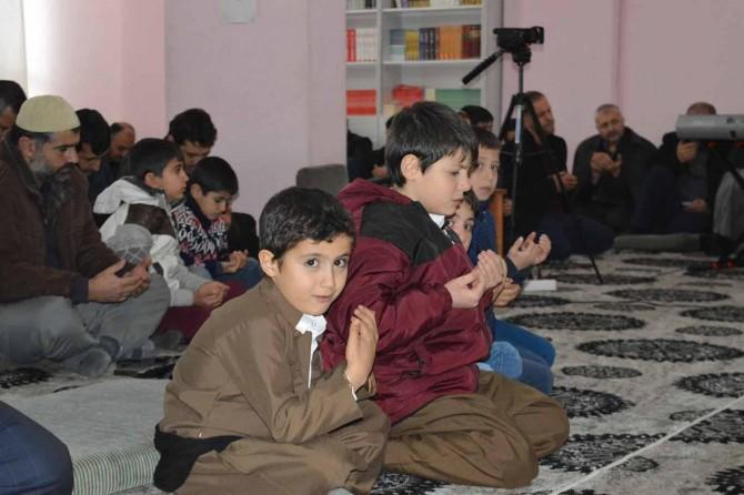 """""""Müslümanlar canları pahasına İslam'a sahip çıktılar"""""""