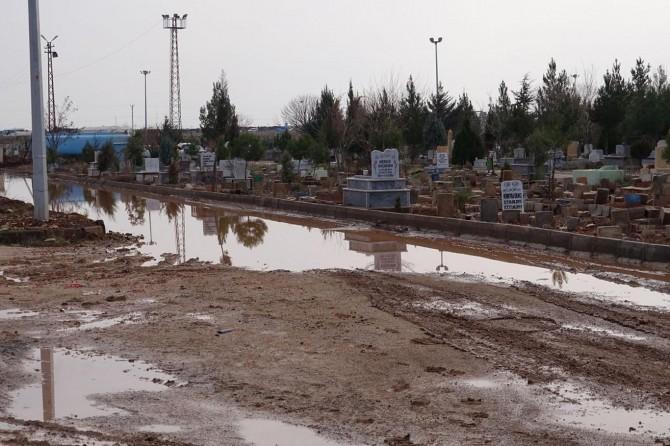 """""""Mezarlığımız kışın sudan ve çamurdan geçilmiyor"""""""