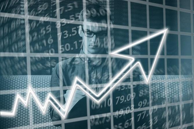 Ticaret ve hizmet sektörlerinde ciro arttı