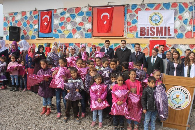PKK'nin katlettiği öğretmenin köyünde okuma yazma seferberliği