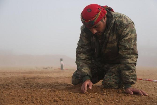 Emerika perwerdehîya bombeyê dide PKK/YPGê