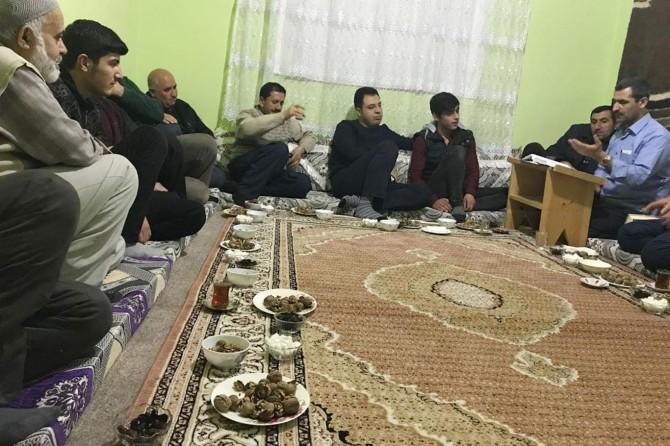 Kaymakam Özcan'dan Bahçesaray'da 'evlerde sohbet' ziyaretleri