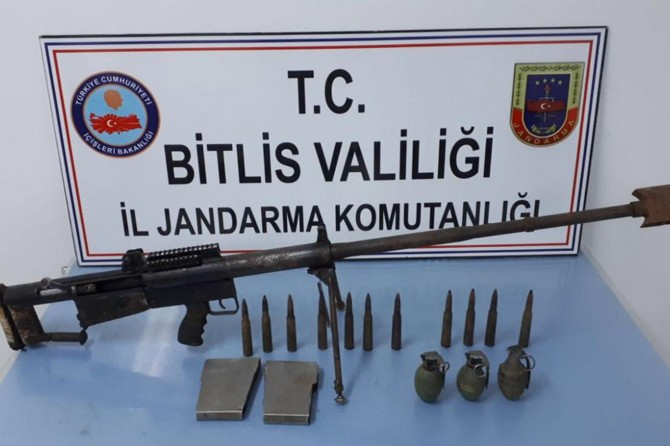 PKK'ye ait sığınaklarda mühimmat ele geçirildi