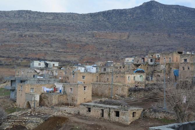 Bademleriyle meşhur tarihi bir köy: Çiçekli