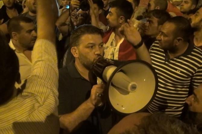 Darbe gecesi halkı dağıtan FETÖ tutuklusu polisi haberleştiren muhabire dava