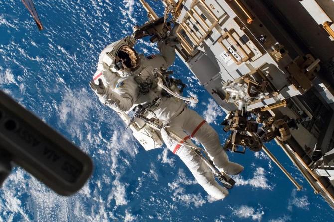 """Çin """"sivil astronot"""" yetiştirecek"""