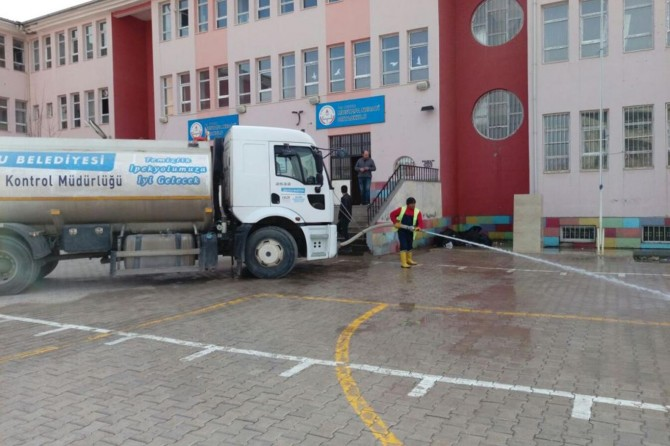 İpekyolu Belediyesinden okullarda bahar temizliği