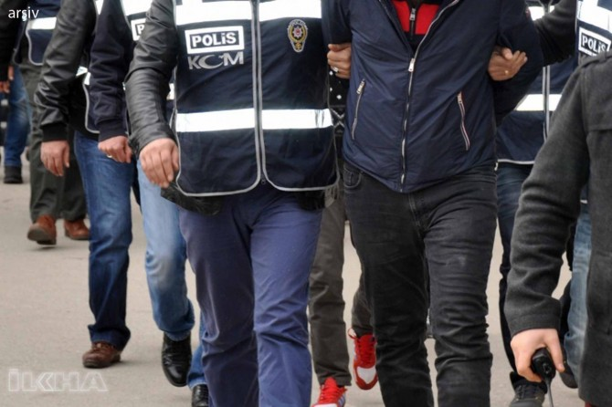 4,700 people detained in a week