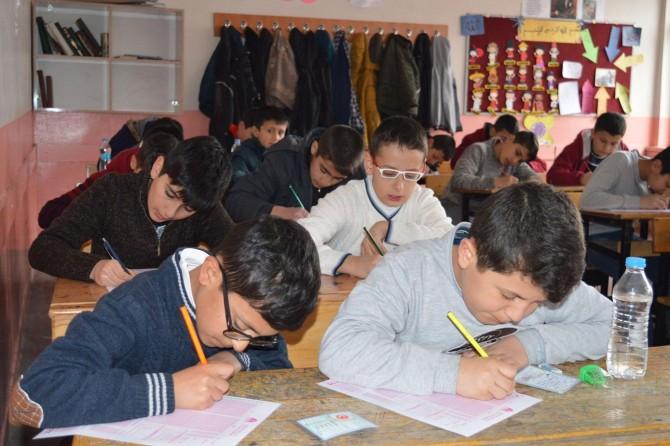 Bitlis'teki Siyer Sınavı'nda 29 kişi ödül kazandı