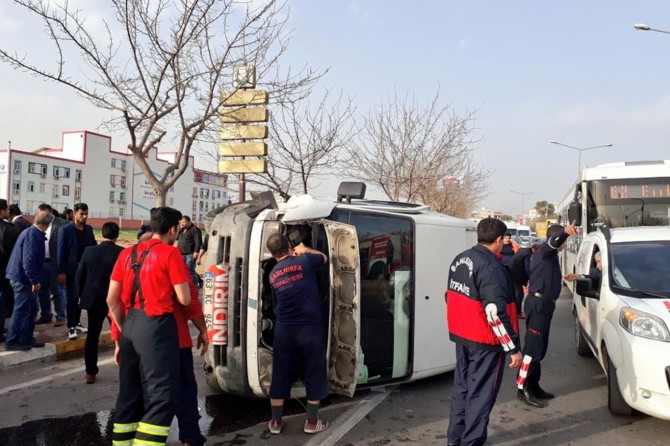 Freni boşalan araç devrildi: Bir yaralı
