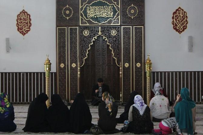 """""""Kadınlara itibarını İslam dini vermiştir"""""""