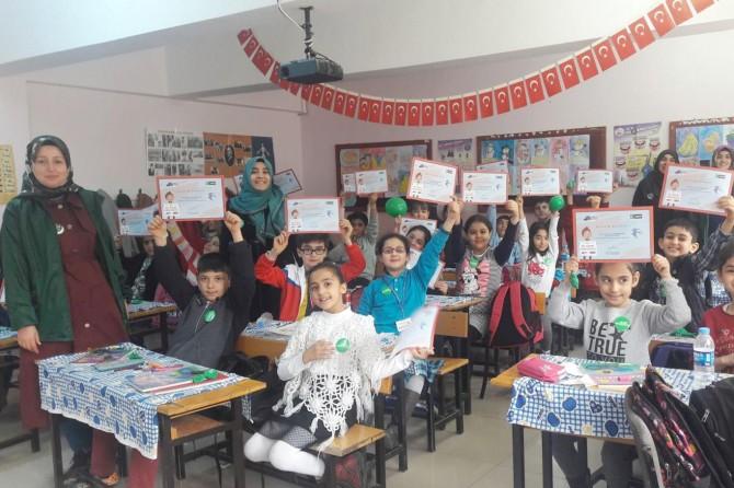 Yeşilay Haftası okullarda çeşitli etkinliklerle kutlandı