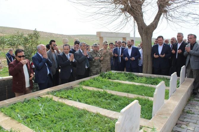 PKK'nin katlettiği 6'sı çocuk 8 köylü mezarları başında anıldı