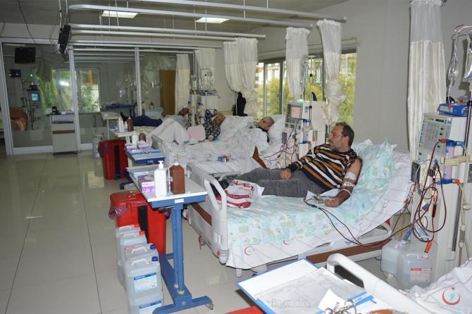 Hastalara nakil için böbrek bulmakta sıkıntı çekiyoruz