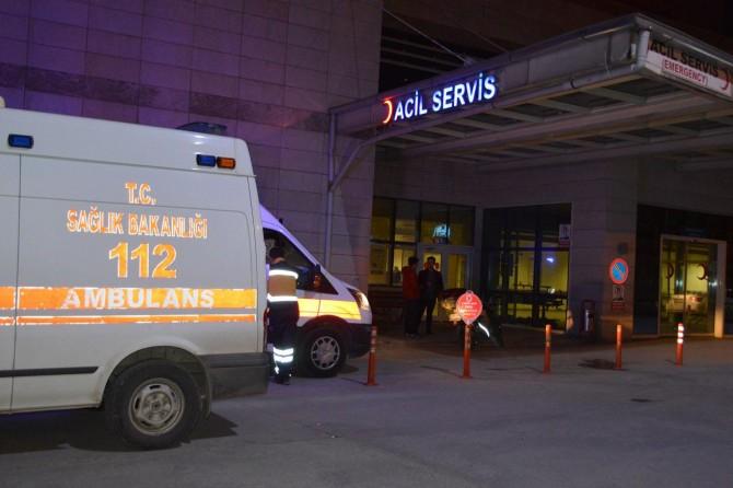 Siirt'te yokuşu çıkamayan araç geriye doğru savruldu: 5 yaralı