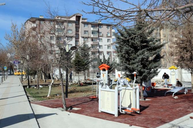 Van Büyükşehir Belediyesinden rölyef ve anıt çalışması