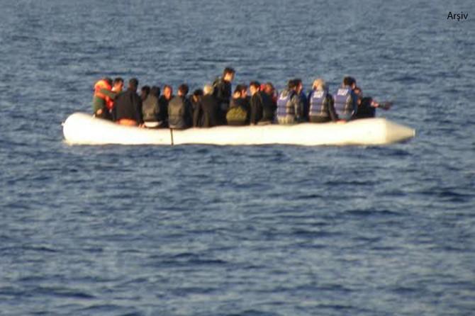 Ege'de mülteci teknesi battı: Ölü ve kayıplar var
