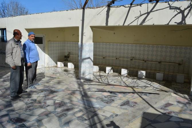 Aynı caminin muslukları 7'nci defa çalındı