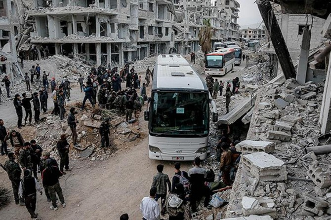 Duma'dan tahliye edilenler Cerablus ve El Bab'a geliyor