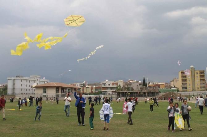 Çocuklar Uçurtma Şenliği'nde doyasıya eğlendi